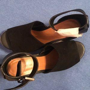 Indigo Rd Shoes - NIB- Indigo Rd- AIRY Wedge